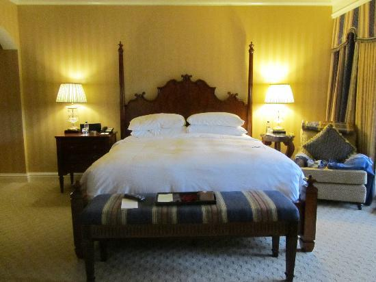 Fairmont Grand Del Mar: the bed