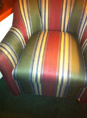 La Quinta Inn & Suites Spokane North : filthy sitting chair, room 212