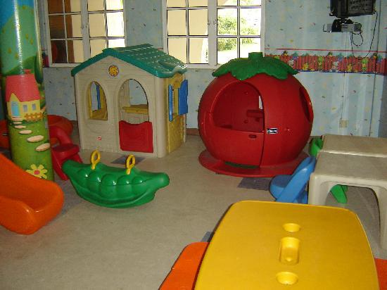Country Heights Resort: Kids play area