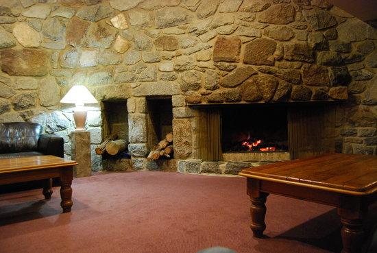 Perisher Manor: Front foyer