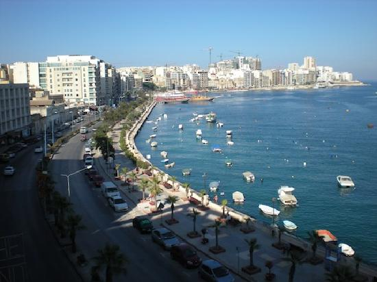 Gzira, Malta: Nice views from our balcony