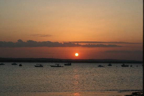 Tanzanite Executive Suites: sunset in Dar es Salaam