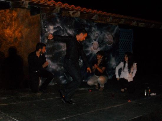 Bali, Griekenland: Zeibekiko dance!