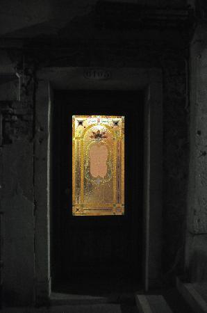 Santa Marina Hotel: puerta de acceso al edificio ANEXO