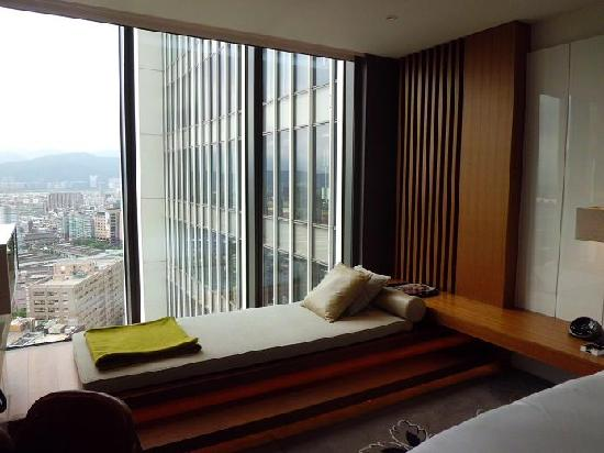 W Taipei: Day Bed By The Floor To Ceiling Window