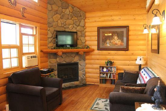 blick von der empore auf die küche - picture of canadian bear, Wohnzimmer entwurf