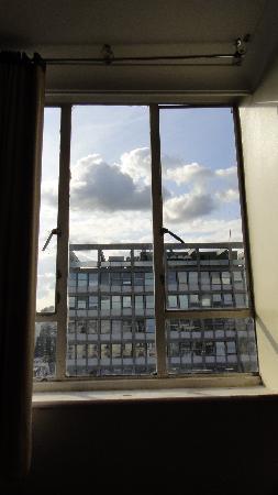 Ascot Hyde Park Hotel : das gesamtbild des Fensters