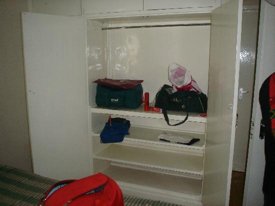 Keekorok Lodge-Sun Africa Hotels: VIP wardrobe