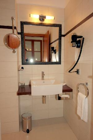Design Merrion Hotel: The bathroom.