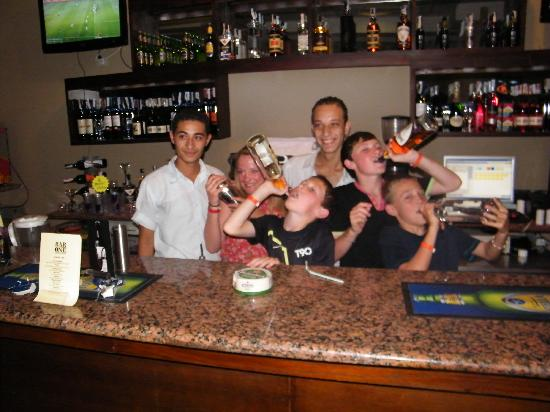 Bar1 : What's the legal age in Egypt?