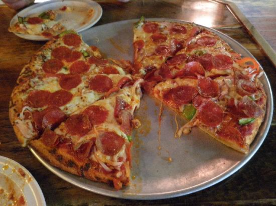 Wild West Pizzeria: The Pizza
