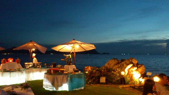 The Sunset Village Beach Resort: View from restaurant in the evening