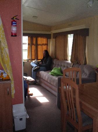 Breydon Water Holiday Park - Park Resorts: view from kitchen area into lounge