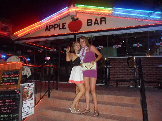Apple Bar Marmaris : Outside the bar :)