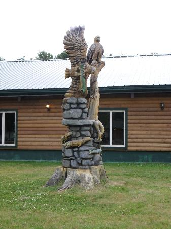 Adirondack Lodge Old Forge: the wood carving in front of lodge