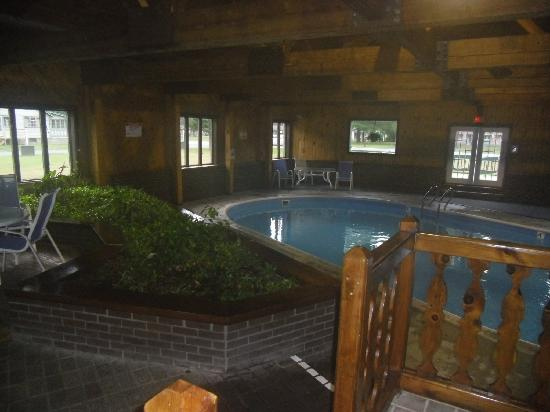 Adirondack Lodge Old Forge: the pool