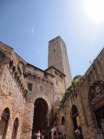 Wine Tour Adventure : Tower of San Gimignano