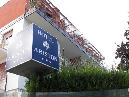 Außenansicht Hotel Ariston