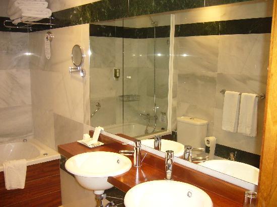 Hotel Port Mahon: Lavabo