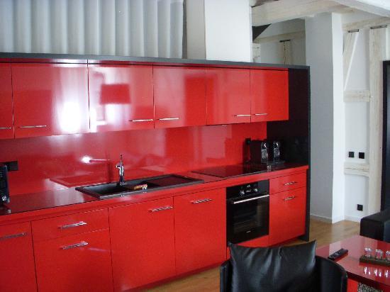 B. Espace Suites : Kitchen area