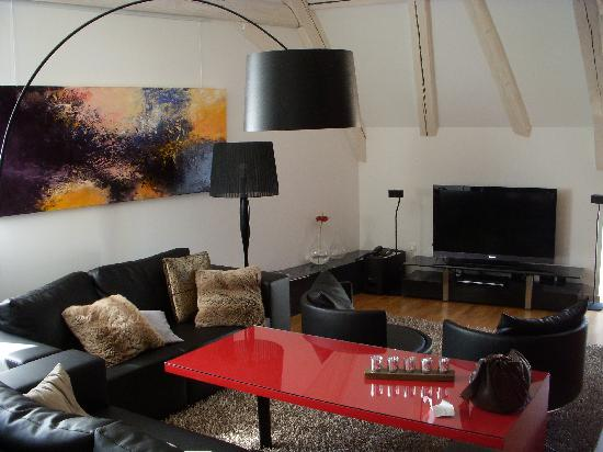 B. Espace Suites : Living Area