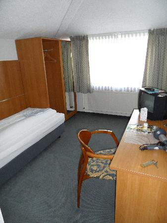 Parkhotel Obertshausen: Zimmer