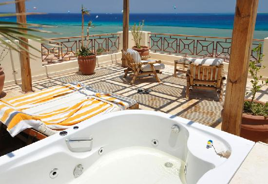 Imperial Shams Abu Soma Resort : jacuzzi terrace and view