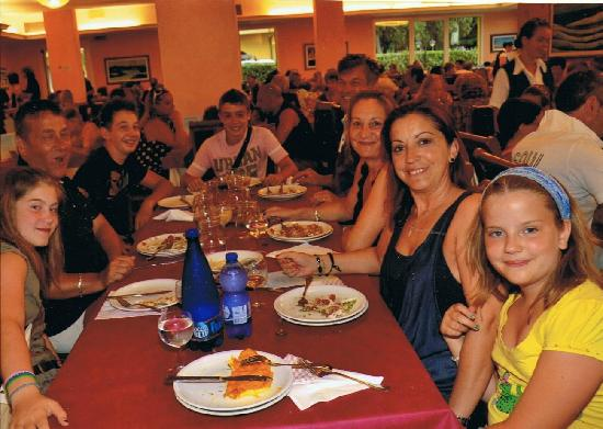 Royal Inn: ultima cena a San Mauroa mare
