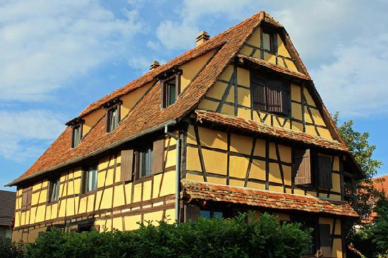 Bietlenheim, France: A traditional alsatian house