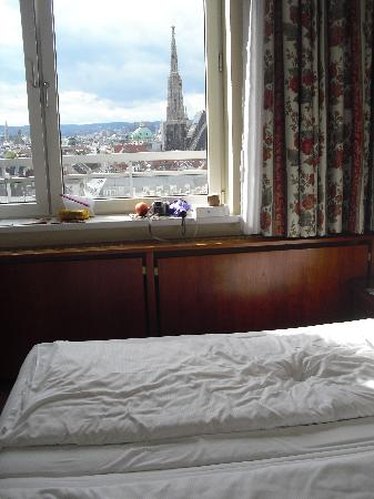 Hotel Am Parkring: window view