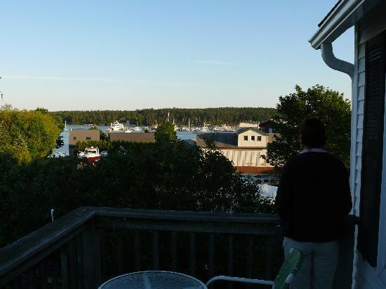 Cranberry Hill Inn: Blick von der Veranda des Harbor View Rooms