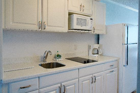 Sea Crest Motor Inn: kitchen