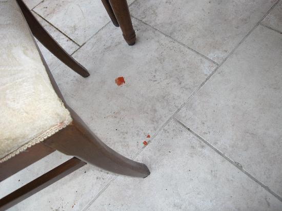 Kleopatra Micador Hotel: so sieht es zum Frühstück am Boden aus