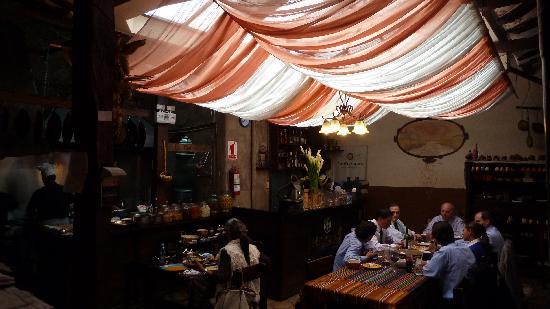 Tiesto's: Central dining area