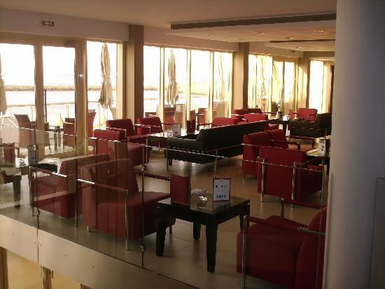 Terrou-Bi : Bar Hôtel