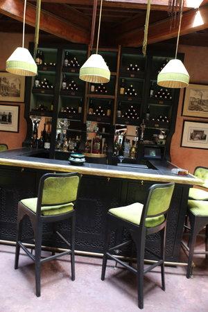 Kosy Bar
