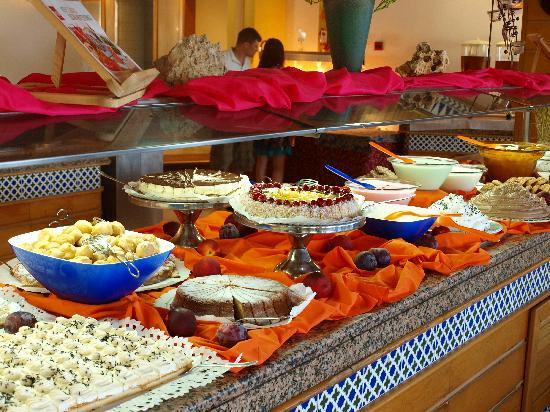 club hotel tropicana mallorca une ide du buffet incroyable - Idee De Buffet