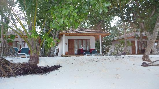 Vilamendhoo Island Resort & Spa: Beach Villa 173
