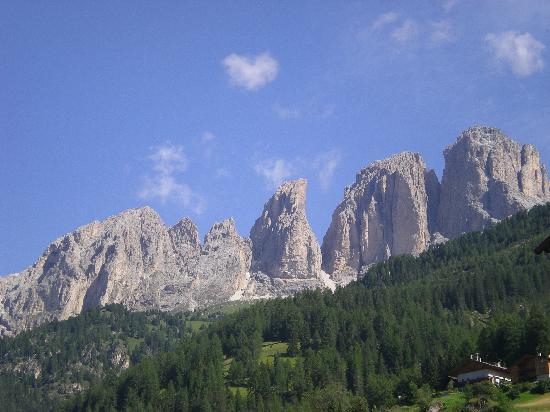 Campitello di Fassa, إيطاليا: vista dall'hotel Soreghes