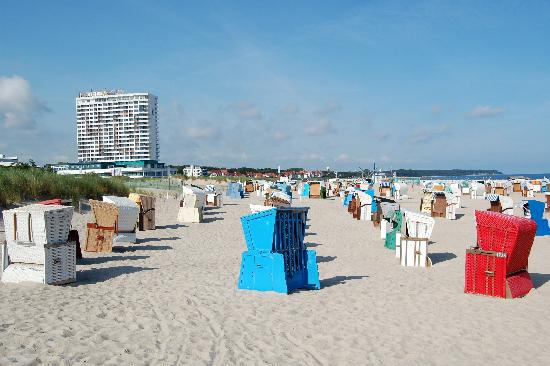 Warnemünde, Alemania: Beach Chairs in Warnemunde