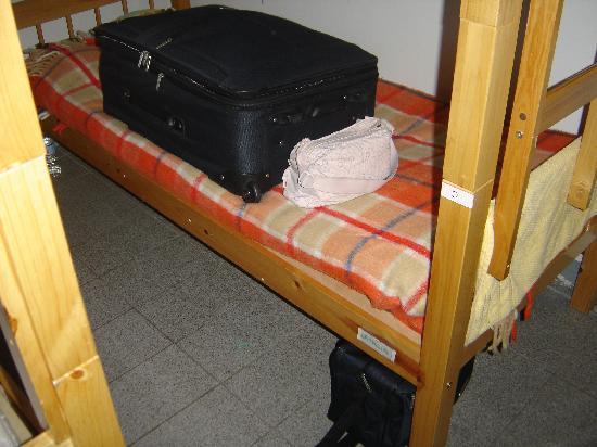 Sampa Hostel: bed (tiny mattress)
