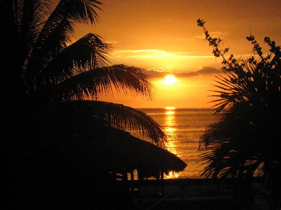 Couples Swept Away: Jamaican Sunset...can't ever get enough of it.