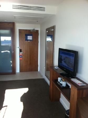 Hampton by Hilton Liverpool/John Lennon Airport: room