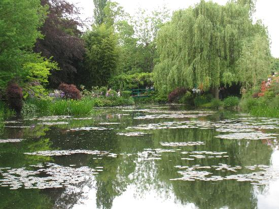 Giverny, Francia: View of the water