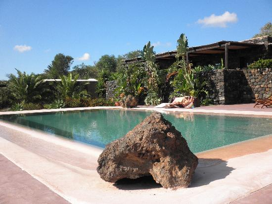 Dammuso con piscina privata picture of dammusi di gloria pantelleria tripadvisor - Dammusi con piscina pantelleria ...