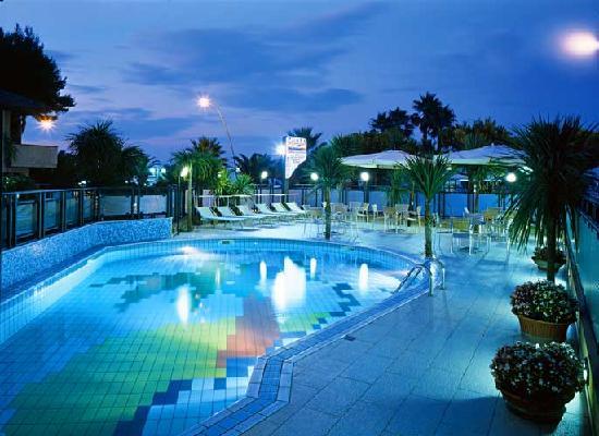Residence Playa: Piscina