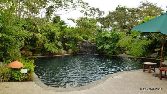 Der Hot Pool im Silencio del Campo
