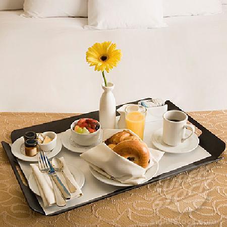 Camino Real Turistico: Room Service
