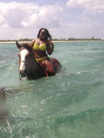 West Bay, Grand Cayman: I had an awesome time! Thanks Lori!