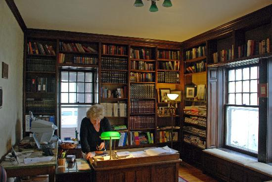 The Rogers House : Office